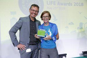 """Jutta Life Award 300x200 - """"Protejați sturionii, cel mai valoros dar al Dunării"""" a câștigat Premiul LIFE ca finalist în categoria """"Natură și biodiversitate"""""""